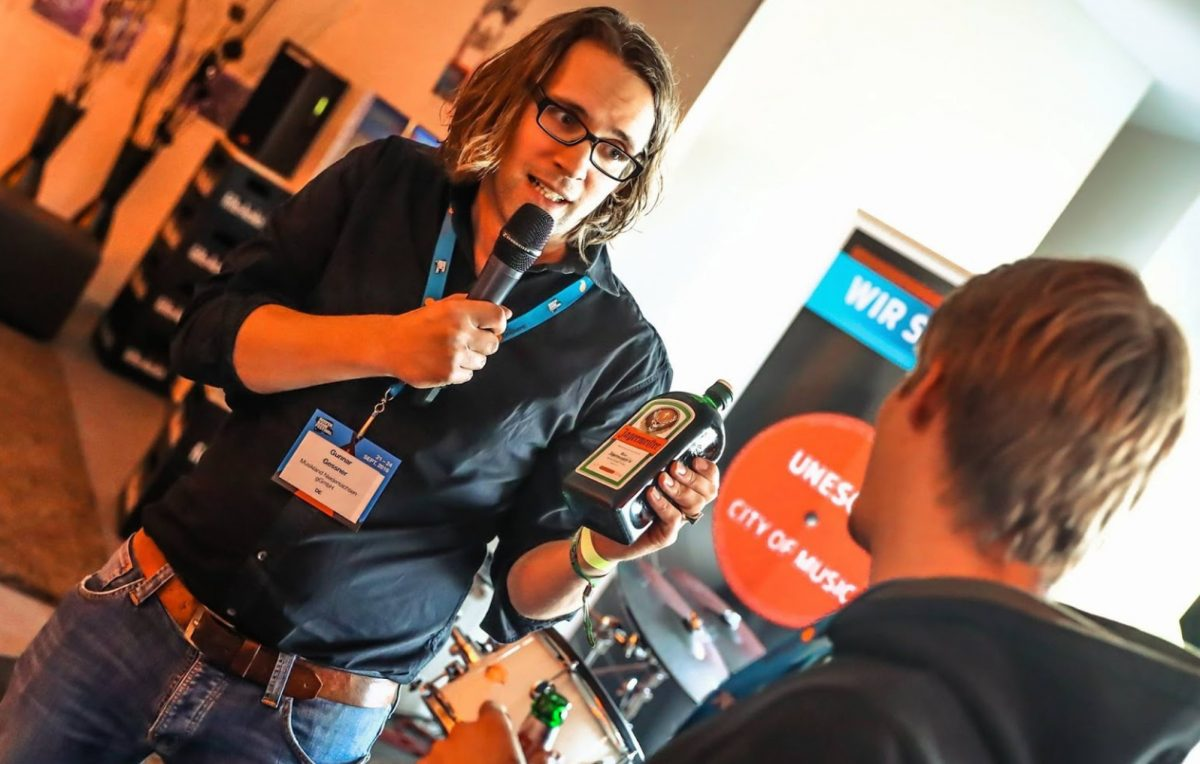 LaserLoft St. Pauli - Firmenveranstaltung & Produktdemonstrationen